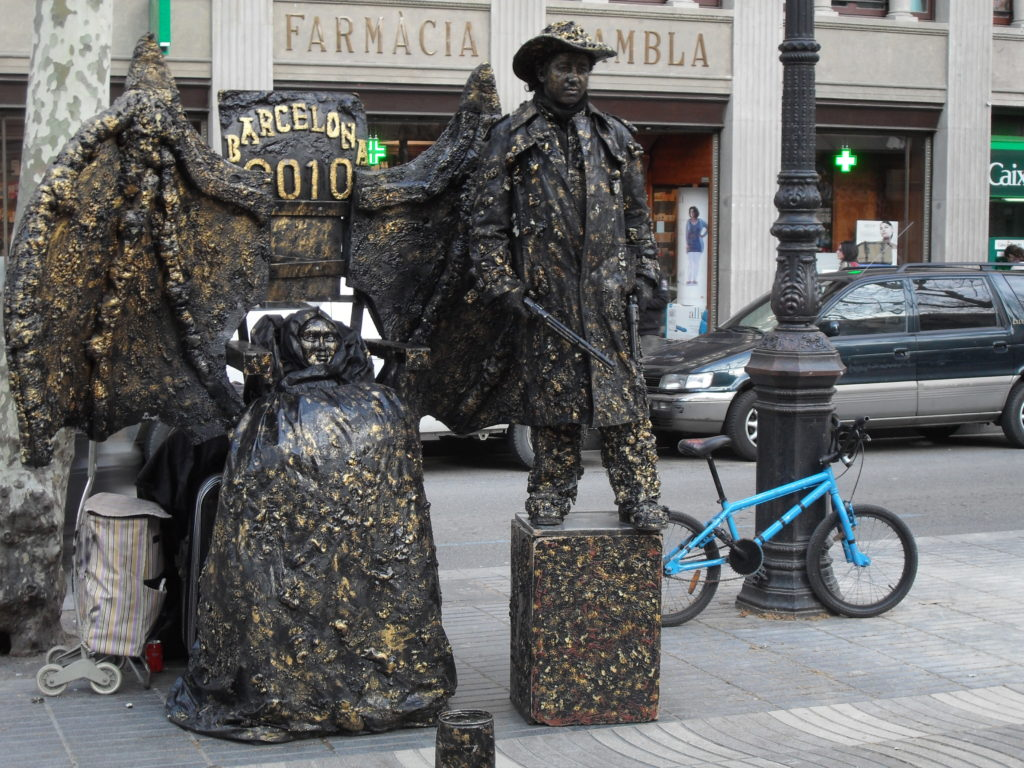 Statues hard at work on Las Ramblas