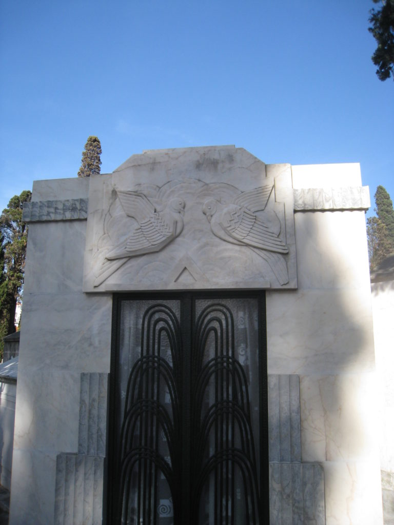An art deco tomb in Lisbon