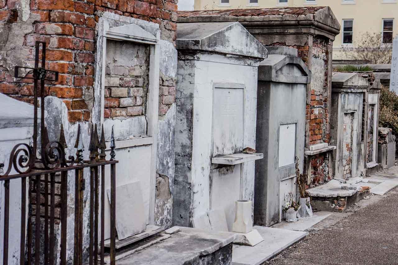 Free Cemetery Tour