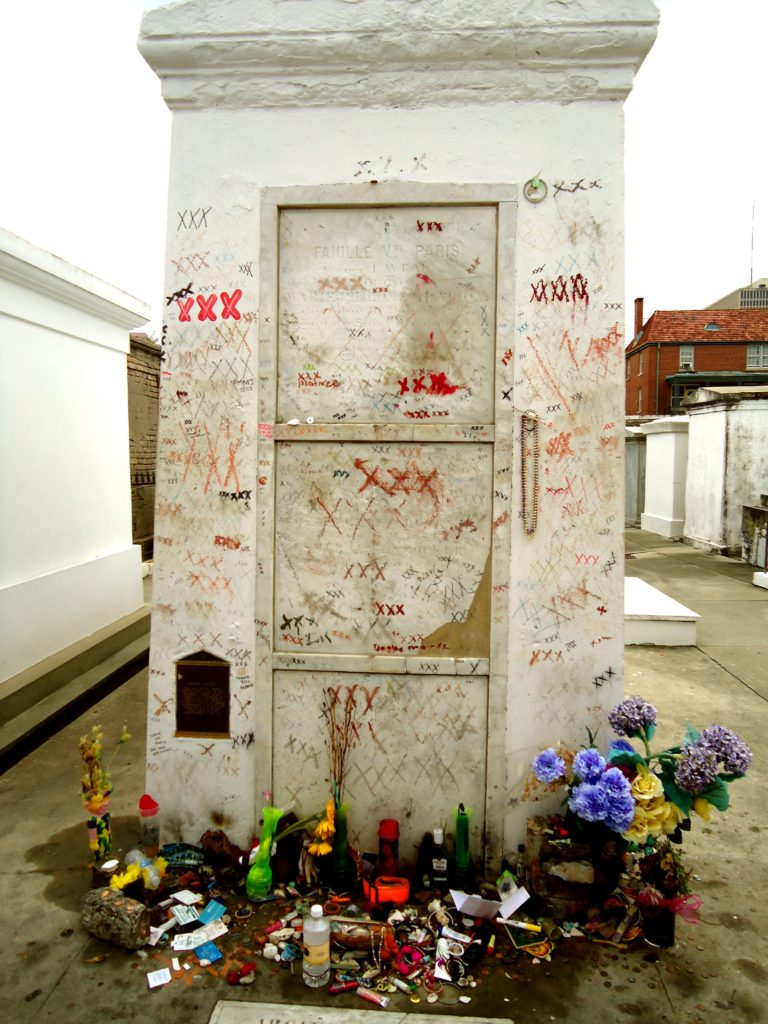 Free St Louis Cemetery Tour in New Orleans - Nola Tour Guy